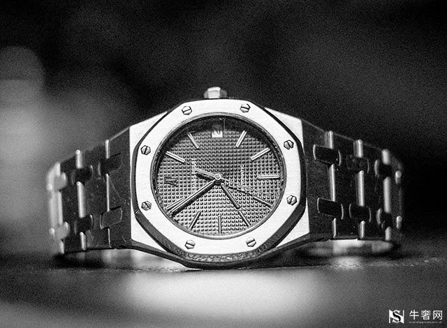 爱彼手表在深圳回收价格是多少钱?