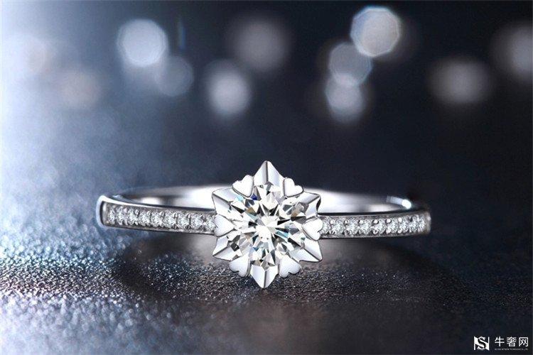深圳哪里回收卡地亚戒指爱心系列比较好?